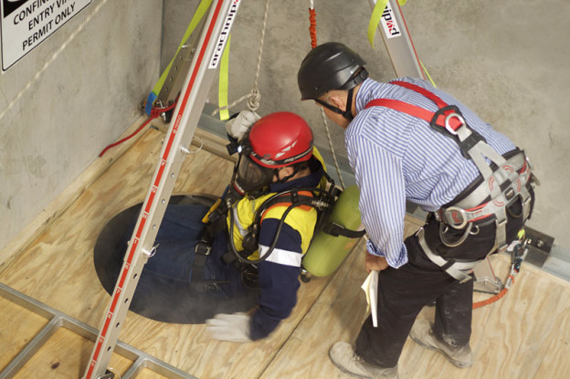 confined spaces New osha confined space standard for construction optimum safety management has put together a number of resources for construction employers seeking guidance regarding the osha confined spaces standard for construction, 29 cfr 19261200-1213 subpart aa, with good faith enforcement beginning august 3 and full osha.